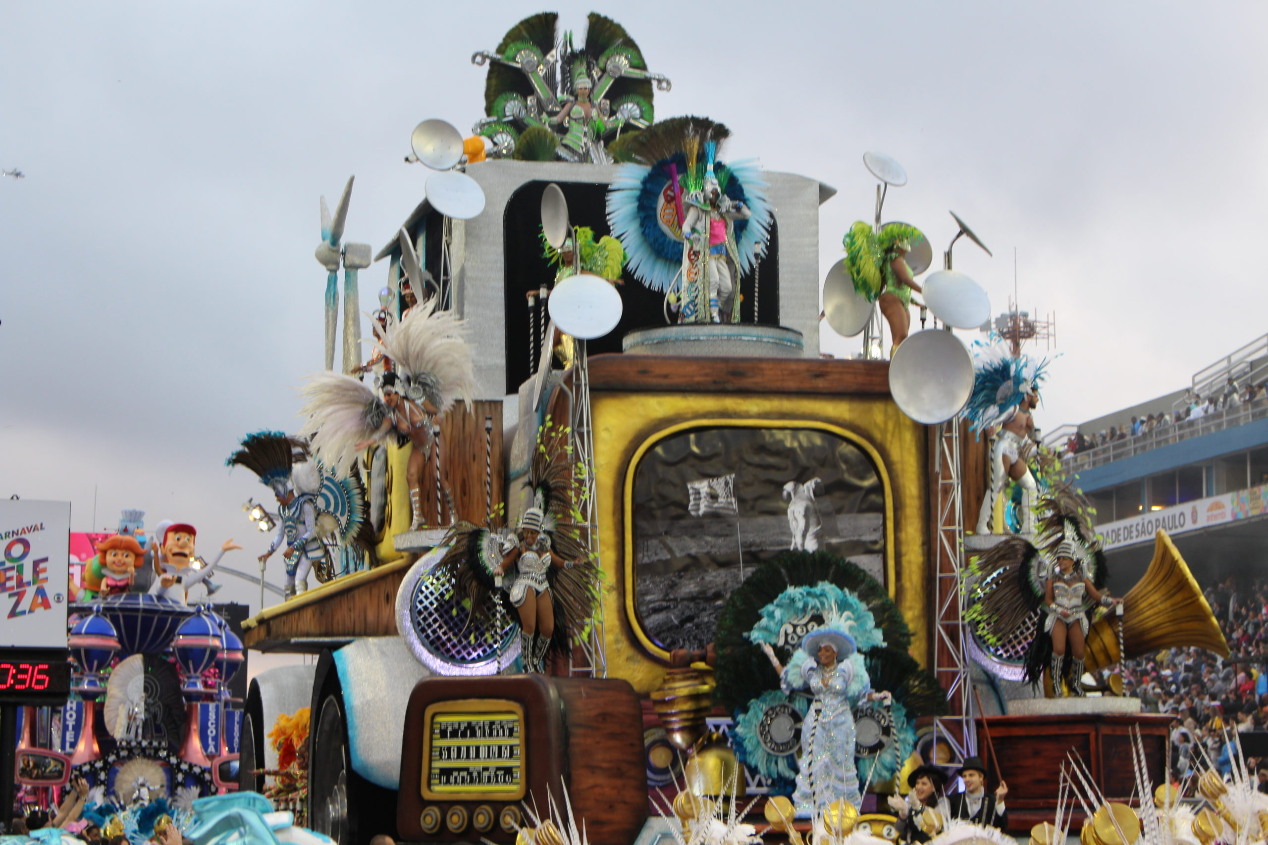 Sao Paulo samba school calls on robots to bring home carnival crown