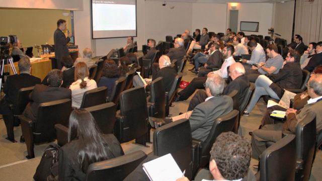 Seminário FEA USP – Empresas brasileiras de TI e suas estratégias de internacionalização